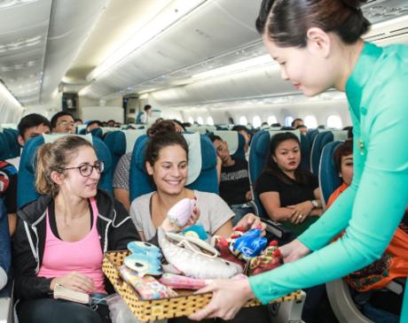 vietnam-airlines-tang-qua-trung-thu-cho-hanh-khach-5