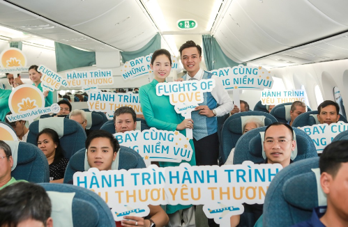vietnam-airlines-tang-qua-trung-thu-cho-hanh-khach-6