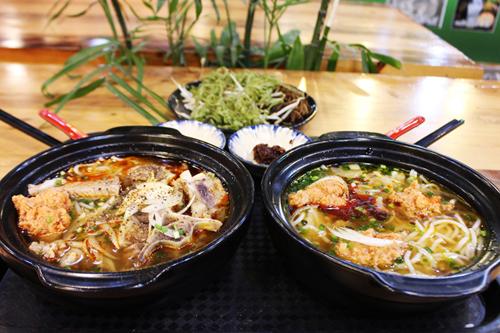 cho-m-thuc-phong-cach-singapore-o-sai-gon-5
