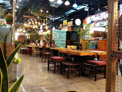 cho-m-thuc-phong-cach-singapore-o-sai-gon-1