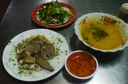 Nếu như bỏ qua món này thì dường như bạn chưa từng nếm qua hương vị ẩm thực xứ biển Quy Nhơn. Ảnh: Phong Vinh