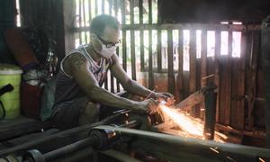 Nghề làm dao bướm truyền thống ở Philippines