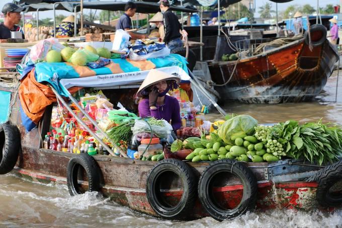 Chợ nổi Cái Răng qua ống kính du khách nước ngoài