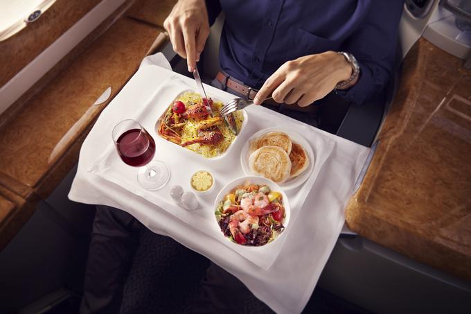 Bữa ăn trong 'nhà hàng trên không lớn nhất thế giới'