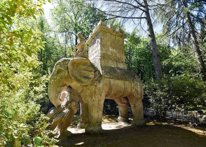 Khu vườn quái vật khiến du khách ám ảnh ở Italy