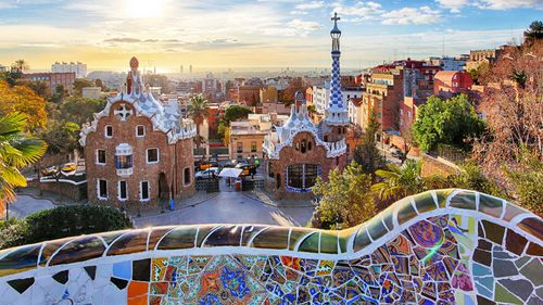 barcelona-co-con-an-toan-voi-du-khach-khi-catalonia-tuyen-bo-doc-lap-1