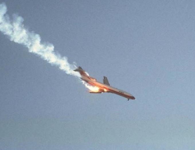 Những câu nói ám ảnh của phi công trước phút máy bay rơi