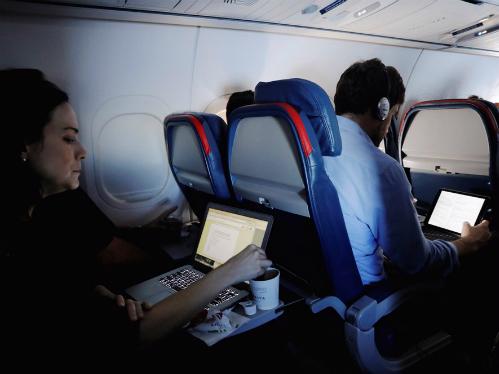 7 câu hỏi du khách thường gặp khi đi máy bay