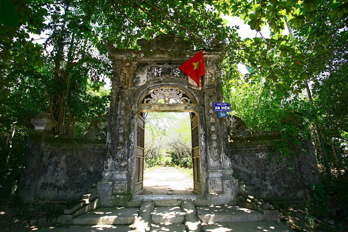 Bên trong nhà vườn đẹp nhất xứ Huế