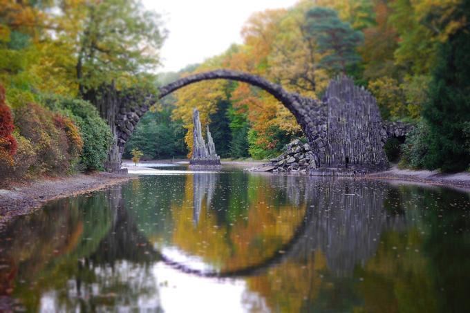 Chàng trai Việt đi xuyên rừng tìm 'cây cầu của quỷ' ở Đức