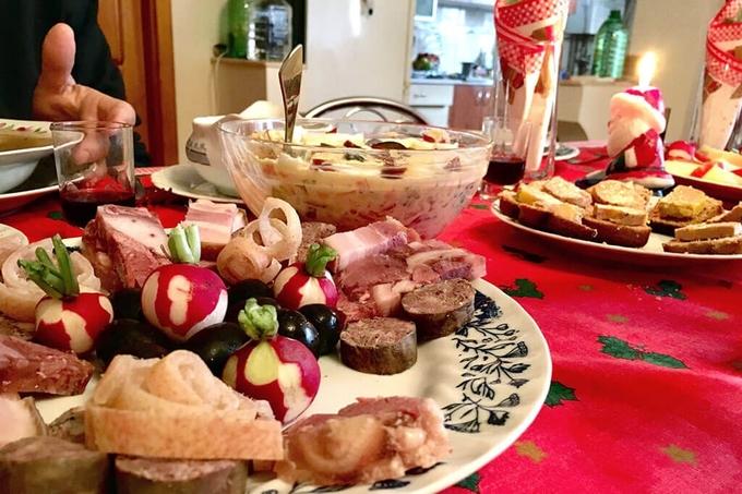 Bữa ăn Giáng sinh của người dân trên thế giới