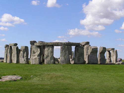 truyen-thuyet-5-du-khach-tan-vao-khong-khi-o-stonehenge