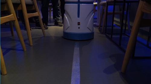 quan-ca-phe-dau-tien-co-robot-phuc-vu-tai-viet-nam-4