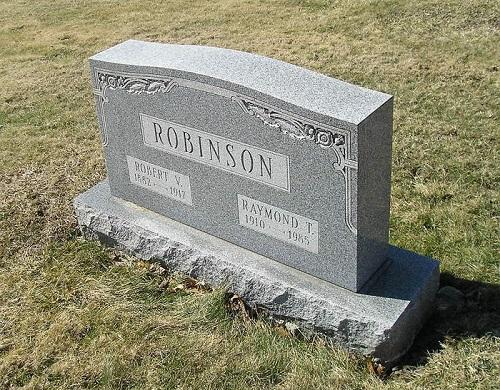 Bia mộ của Ray Robinson trong nghĩa trang tại hạt Beaver. Ảnh:Pinterest.