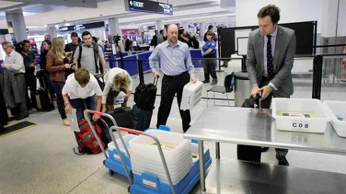 Khu vực cửa an ninh tại sân bay là nơi có nguy cơ bị tấn công cao nhất. Ảnh:CNBC.
