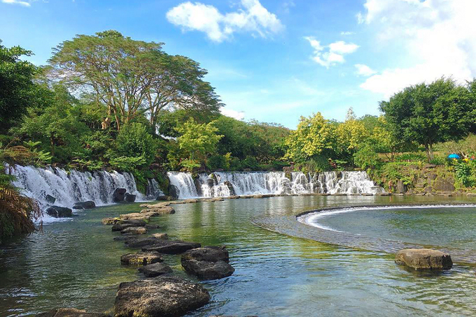 Bể bơi tự nhiên sát Sài Gòn cho bạn 'đi trốn' dịp Tết dương lịch