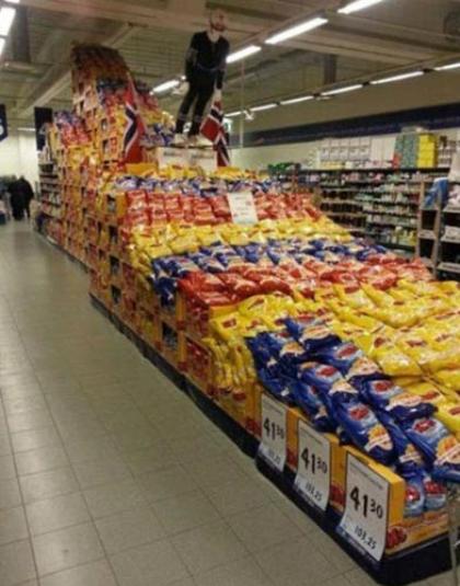 Một người hâm mộ bộ môn trượt tuyết đang có ý định biến một siêu thị ở Na Uy thành bãi trượt tuyết của riêng mình.