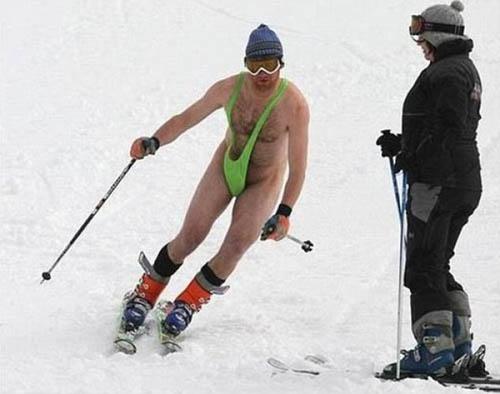 Không biết anh ấy có lạnh không là thắc mắc được nhiều người hỏi nhất khi nhìn thấy bức ảnh này.