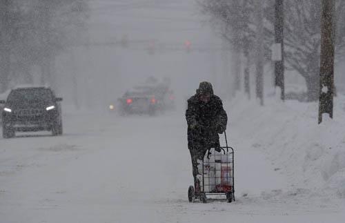 Người dân Mỹ đang trải qua mùa đông vô cùng khắc nghiệt. Ảnh: AP.