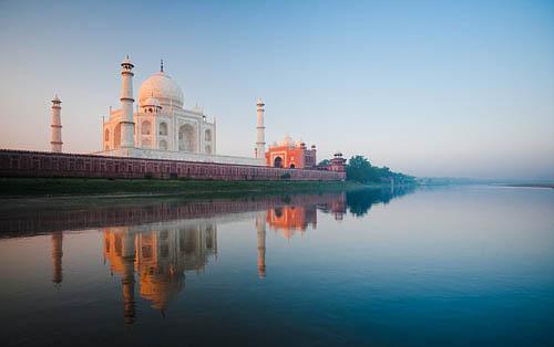 Ấn Độ bị chỉ trích vì sính ngoại, hạn chế khách nội địa