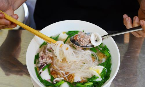 Hủ tiếu mực đổi vị cho người mê món sợi ở Sài Gòn Du Lịch