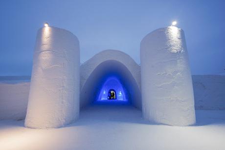 Công trình này được xây dựng trong 5 tuần, với các bức tường cao 3,6 m. Ảnh: Thisisfinland.