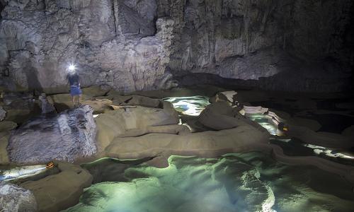 Quảng Bình mở tour thám hiểm đến hang lớn thứ tư thế giới Du Lịch