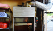Tiệm ăn chế máy làm cơm gà xối mỡ tự động ở Sài Gòn