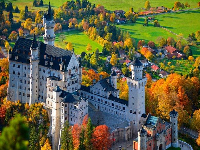 Bi kịch trong tòa lâu đài tráng lệ bậc nhất dưới dãy Alps