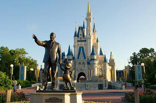 3 từ nhân viên Disneyland tuyệt đối không được phép nói