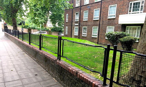 Ý nghĩa bất ngờ phía sau những hàng rào xấu xí ở Anh