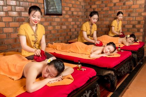 Dịch vụ massage với nghệ thuật trị liệu truyền thống đánh thức mọi giác quan, cảm xúc.