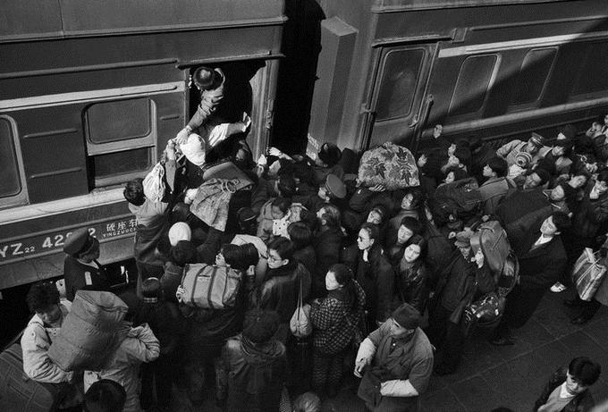 Khách Trung Quốc trên những chuyến tàu cách đây 30 năm