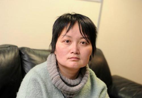 Do không mang đủ tiền phạt, nữ du khách Trung Quốc Quiaoyon đã bị bắt giam. Ảnh: MenMedia.