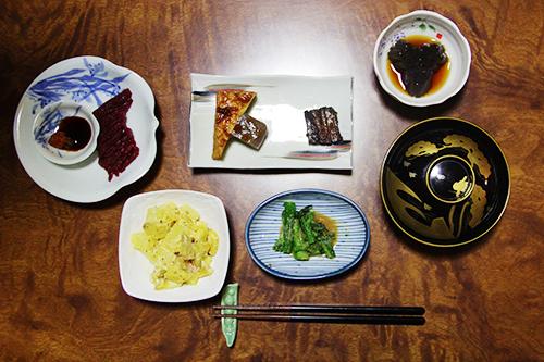 Bữa cơm của người Nhật không đơn giản là thưởng thức món ăn mà đối với họ, đó còn thể hiện sự trân trọng đối với các loại nguyên liệu. Ảnh:Di Vỹ.