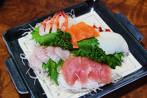 Không chỉ phổ biến ở Nhật, sashami cũng được lòng nhiều thực khách Việt. Ảnh: Di Vỹ.