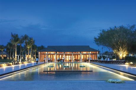 Nova Phù Sa, khu nghỉ dưỡng sinh thái đẳng cấp quốc tế được Novaland phát triển tại ĐBSCL, được quản lý bởi thương hiệu Azerai giúp Cần Thơ có tên trên bản đồ du lịch thế giới.