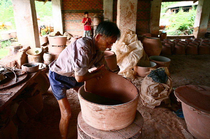 Bên trong lò gốm thủ công cổ nhất Bình Dương