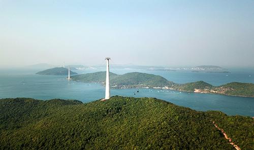 Đây là hạng mục đầu tiên và quan trọng nhất trong quần thể vui chơi giải trí biển Sun World Hon Thom Nature Park mà Tập đoàn Sun Group đang xây dựng tại Nam đảo.