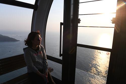 Trước đó, Sun Group đã mang đến Phú Quốc khu nghỉ dưỡng mới đẳng cấp nhất thế giới JW Marriott Phu Quoc Emerald Bay. Với việc khai trương cáp treo Hòn Thơm cùng những hạng mục vui chơi giải trí đầu tiên của quần thể Sun World Hon Thom Nature Park, chúng tôi hy vọng sẽ góp phần đem đến cho du lịch Phú Quốc những sản phẩm mới đẳng cấp, chất lượng, tăng số lượng và cả chi tiêu của du khách khi đến với đảo Ngọc, đưa Nam Phú Quốc trở thành điểm đến hấp dẫn đúng với tiềm năng của nó, ông Trường nói.