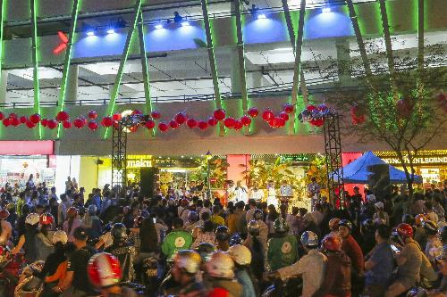 Với sự góp mặt của các ngôi sao nổi tiếng, hay các dự án nghệ thuật độc đáo, những cuộc hội tụ và màn trình diễn đặc sắc trên sân khấu mở phục vụ cộng đồng đúng với tinh thần streetshow tự do, ngẫu hứng, sáng tạo.
