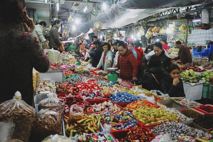 Không khí Tết ở ngôi chợ Huế gần 120 tuổi