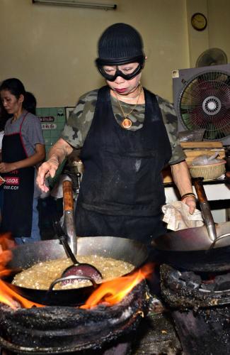 Sao vàng Michelin vô tình trở thành gánh nặng đối với nữ đầu bếp 72 tuổi. Ảnh: News.