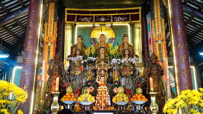 Bên trong ngôi chùa tồn tại xuyên 3 thế kỷ ở Sa Đéc