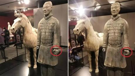 Bức tượng hơn 2.200 năm tuổitrước và sau khi bị phá hoại. Ảnh:SCMP.
