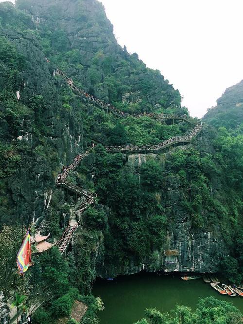 Tràng An cổ - điểm đến đang hot ở Ninh Bình
