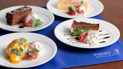 Hành khách ngồi trên chuyến bay ảo này sẽ được thưởng thức các bữa ăn đặc sản tại các điểm đến mình chọn. Ảnh: Telegraph.