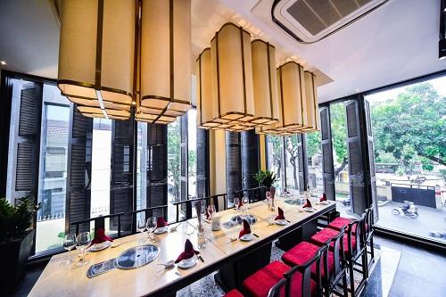 Không gian yên tĩnh giữa Sài Gòn sầm uất sẽ tạo cảm giác thực khách đang ở một nơi khá riêng tư và chậm rãi thưởng thức món ngon bậc nhất.
