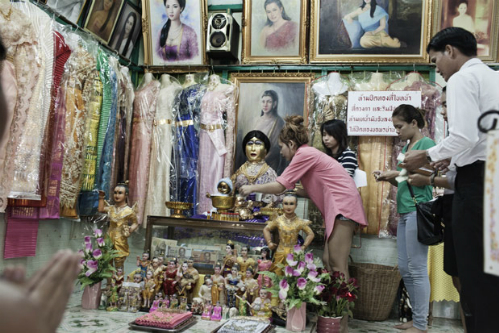 Người dân Phra Khanong sau này lập một ngôi miếu thờ cho nàng Nak. Ảnh:Bangkok Post.