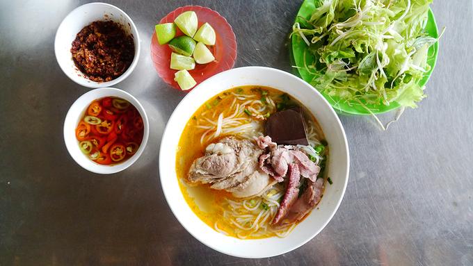 9 món ăn nhất định phải thử khi đến đất cố đô